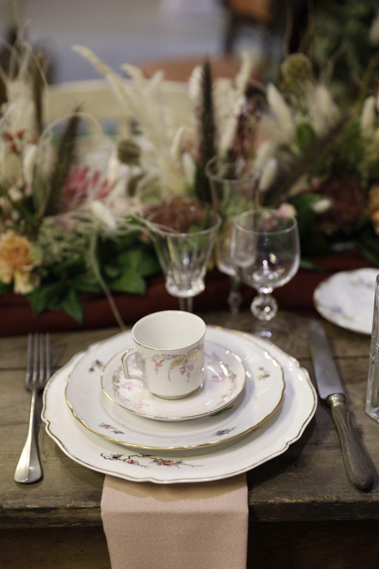 vaisselle vintage, assiette vintage, tasse vintage, location de vaisselle vintage, location, mariage, wedding, vintage dishes, rent, Lyon, rhone-alpes, paca, Marseille, aix-en-provence, Genève, Paris