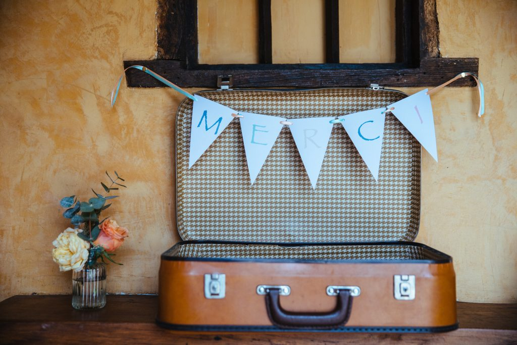 Urne en valise pour votre mariage